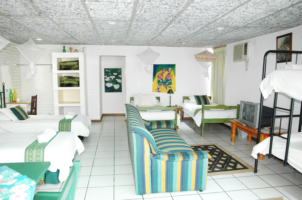 Elephant Walk Guest House green room