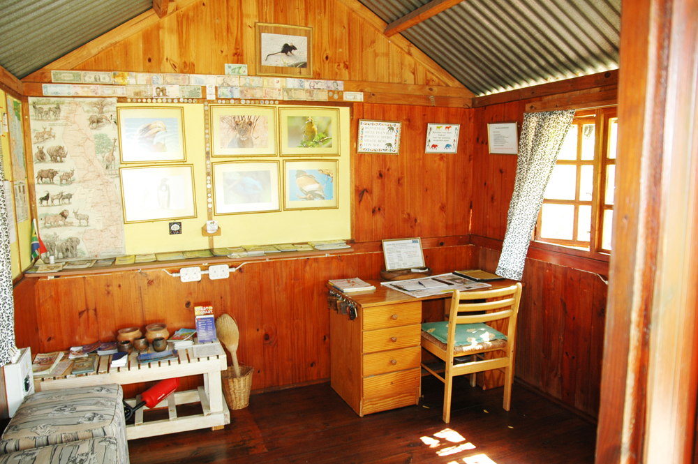 Elephant Walk Backpackers & Guest House reception